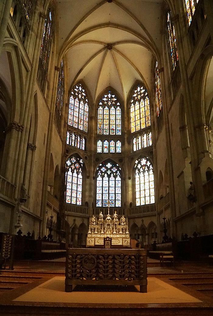 レーゲンスブルク大聖堂の中