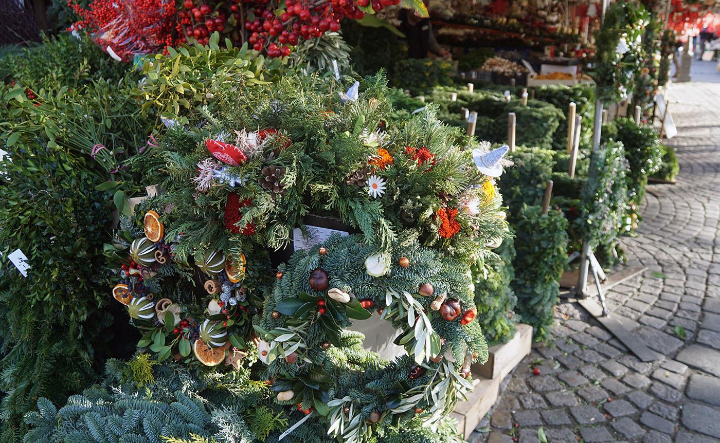 ヴィクトアリエン市場クリスマスリース