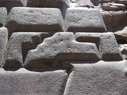 La piedra los catorce anguios