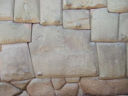 La piedra los doce anguios