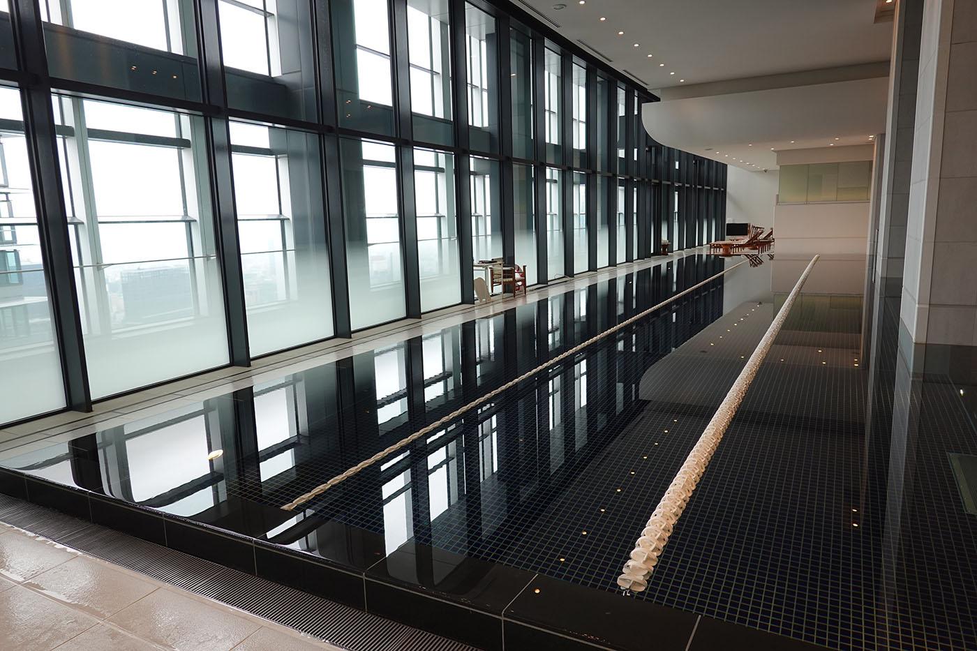 アンダーズ東京プール