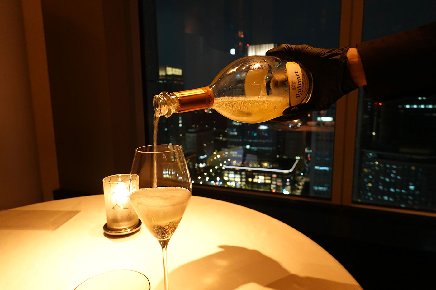 シャングリラホテル東京ピャチェーレウェルカムシャンパン