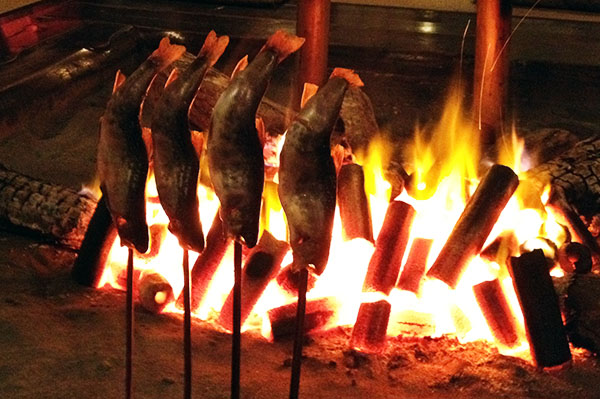 倭乃里 岩魚の囲炉裏焼き