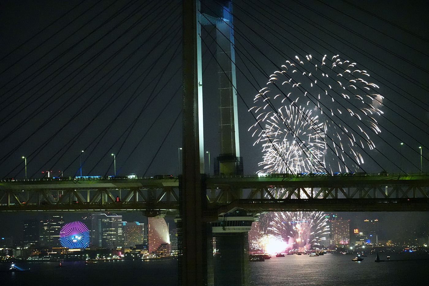 横浜開港160周年開港祭花火