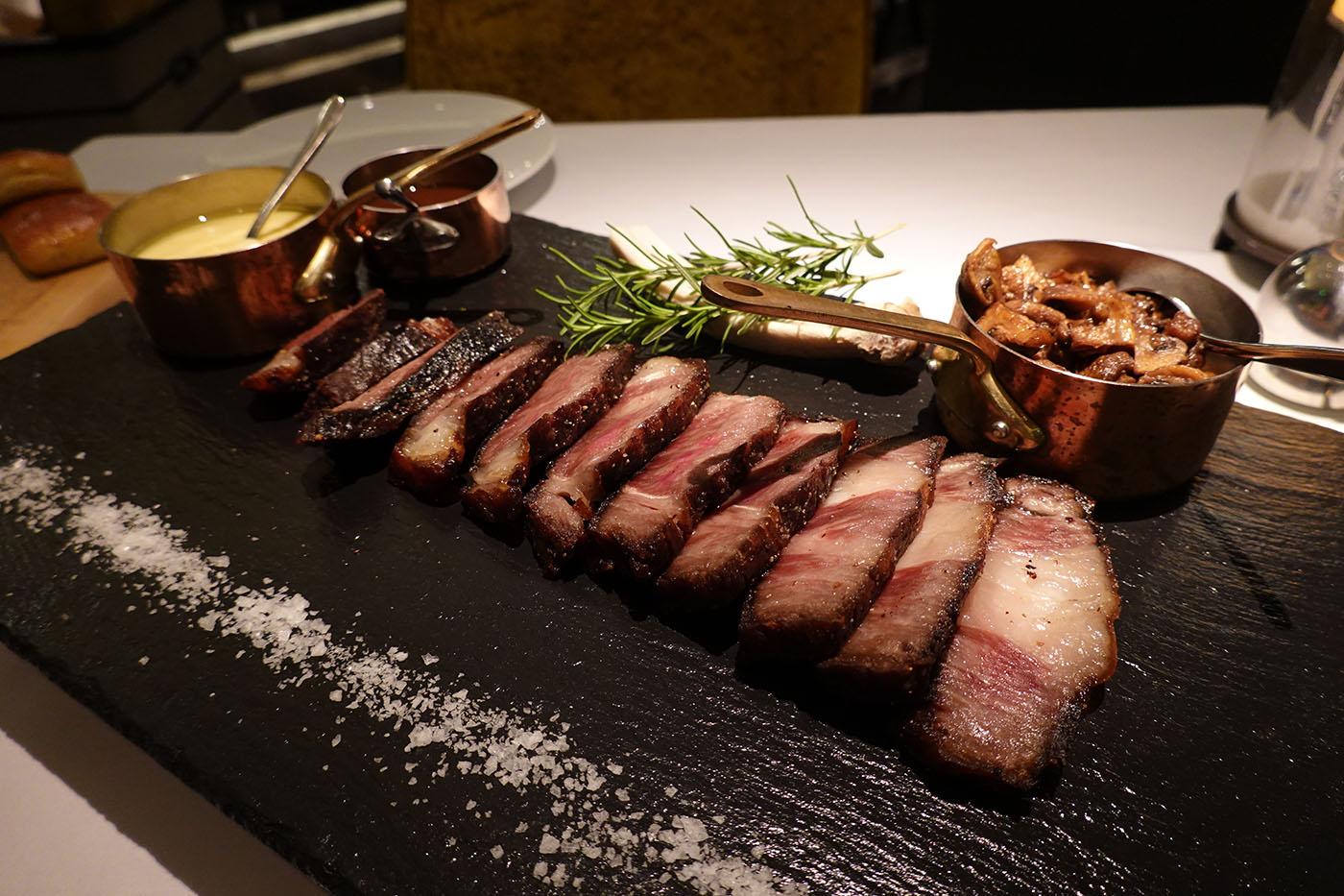 フォーシーズンズホテル浦東のレストラン2
