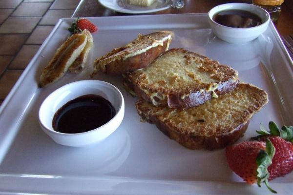 ホテルボラボラの朝食 フレンチトースト
