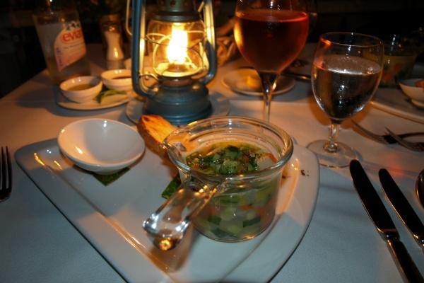 ホテルボラボラのレストラン 前菜