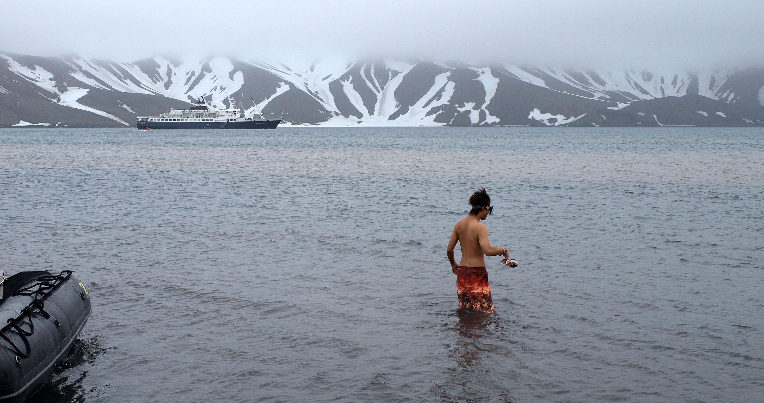 antarctica swim