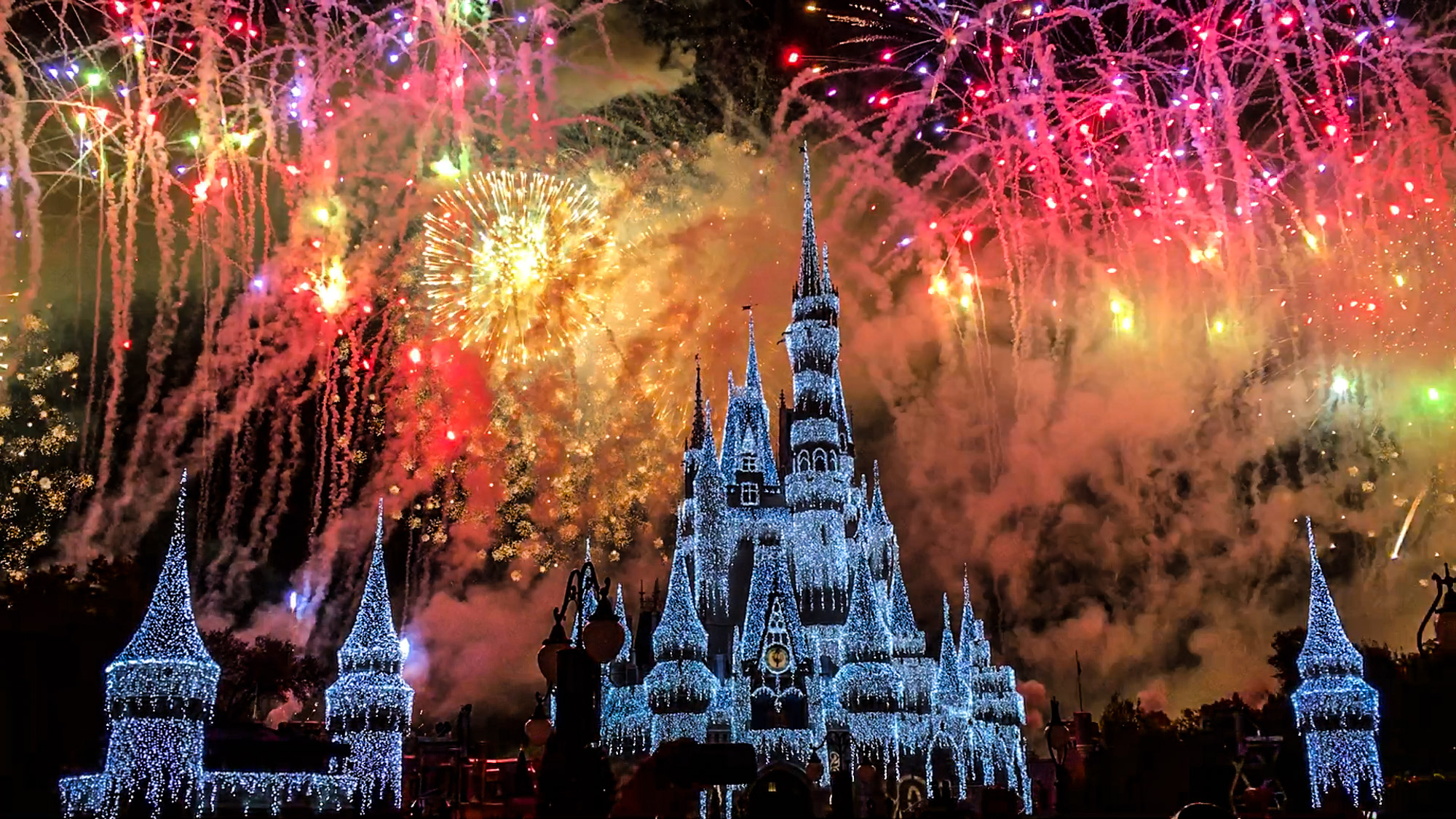 magickingdom-fireworks